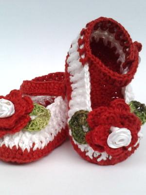 A217 Sapatinho de croche vermelho menina