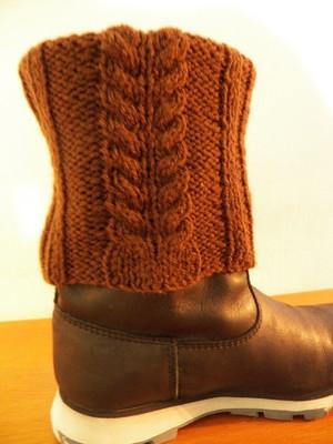Meia marrom de tricot Espiga
