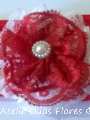 Tiara meia de seda - flor de renda