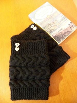 Boots cuffs com corações em tricot