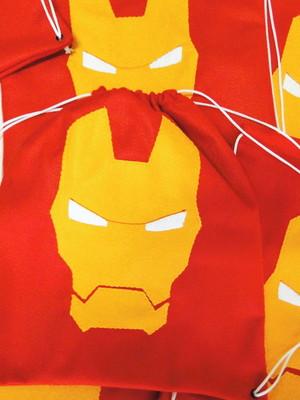 Sacolinha tipo mochila Homem de Ferro *