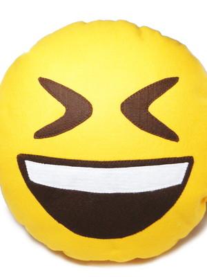 Almofada porta pijama | emoji rindo *