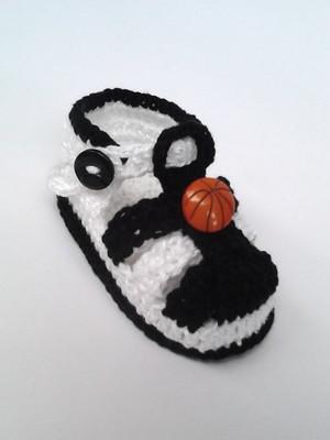 A270 Sandalinha de croche preta menino