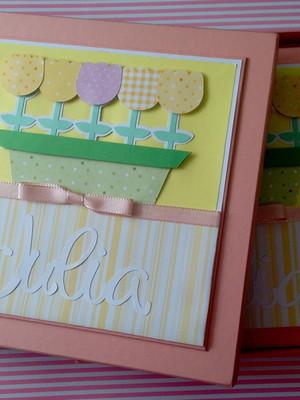 livro bebê personalizado caixa menina flor tulipa scrapbook
