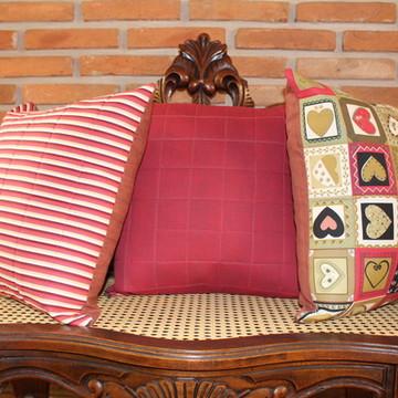 Trio de capas de almofadas em patchwork