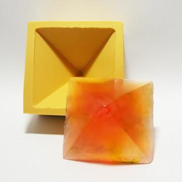 Pirâmide M Lisa - molde de silicone
