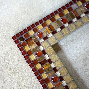 Moldura de Espelho em mosaico da Lu