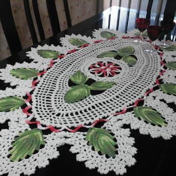 Caminho de mesa em barbante barroco