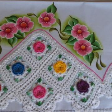 Pano de prato de flores coloridas.