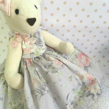 Ursa floral cinza