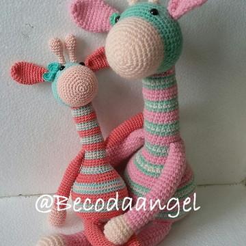 Casal Girafa Mãe e Filha