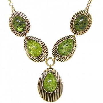 Maxi Colar Dourado Pedras Verdes