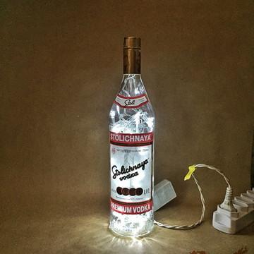 Luminária de garrafa Stolichnaya