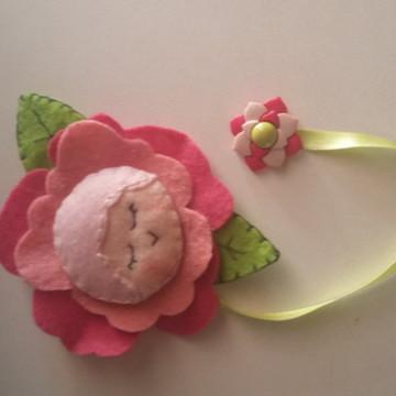 Marcador de página flor de feltro
