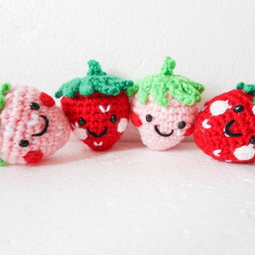 Amigurumi Morangos (Strawberry Gurumi)