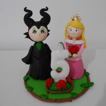 Topo de bolo Malévola e Princesa Aurora