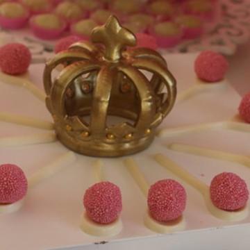 Coroa pequena dourada em cerâmica C.1353
