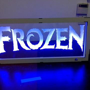 Luminária Parede Quadro Frozen Acrílico em Led e Moldura MDF