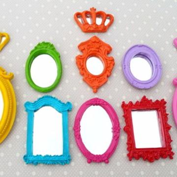 Kit 8 Mini Espelhos Decorativo Coloridos Com Coroinhas