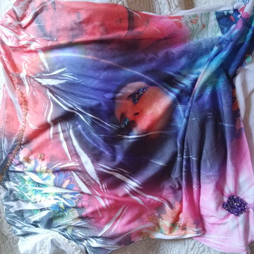 blusa customizada