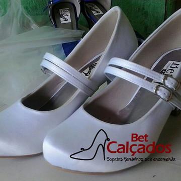 f447f3bdbe8 Sapato Branco 2 tiras