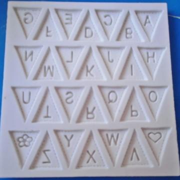 Molde de Silicone Alfabeto Bandeirinha