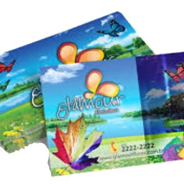 cartão de visita verniz localizado.