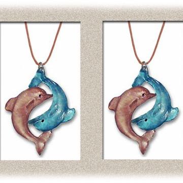 Pingente Golfinhos em resina
