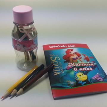 Revistinha de pintar e 05 giz de cera Ariel