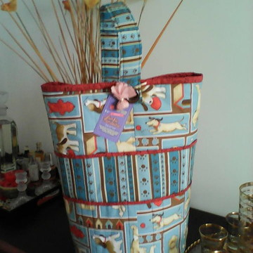 Bolsa de linhas e agulhas tricô crochê