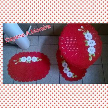 Jogo de banheiro vermelho com flores