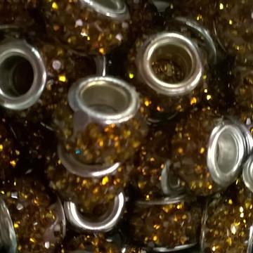 Berloque prata strass dourado