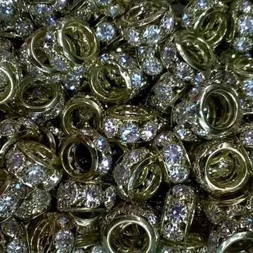 Berloque dourado strass cristal