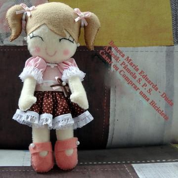 Boneca de Feltro Maria Eduarda