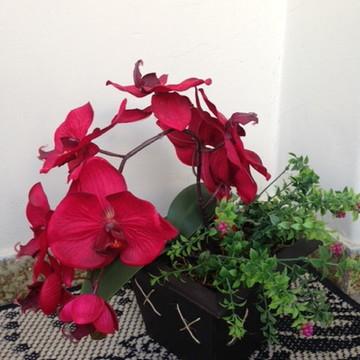 Vaso em MDF com orquídea artificial