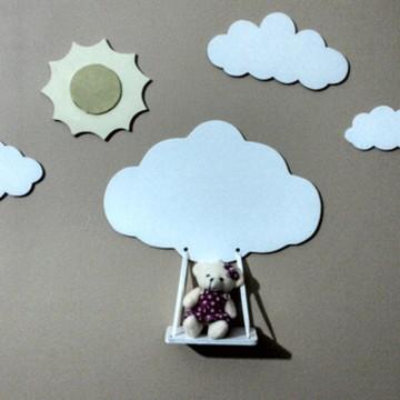 Paisagem nuvem com balanço quarto bebe
