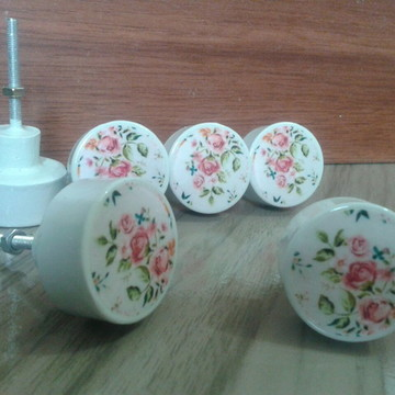 Puxador estilo Porcelana flores base cinza