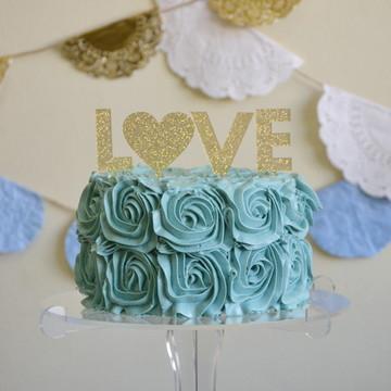 Topo de bolo Love com coração