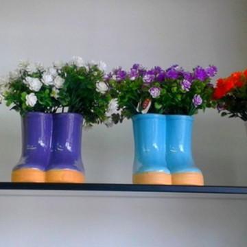 Arranjo Galochas de Flores