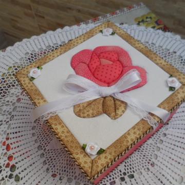 Porta-jóias em MDF decorado com tecido