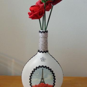 Garrafa Paris 2 com flores de tecido
