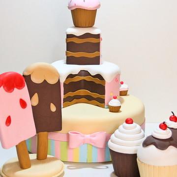 Bolo Cenog. Cupcakes + decoração-Aluguel