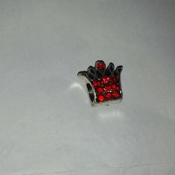 Berloque coroa prata com strass vermelho
