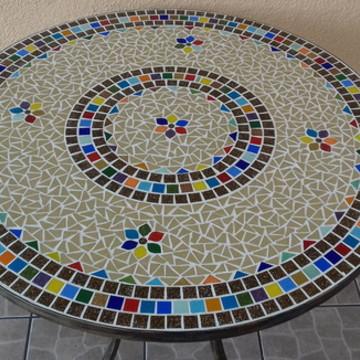 Mesa em Mosaico Colorida flores