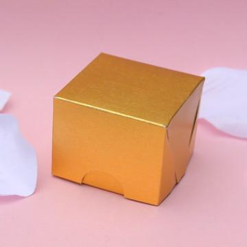Caixa para bombom dourada 5x4x5 305g
