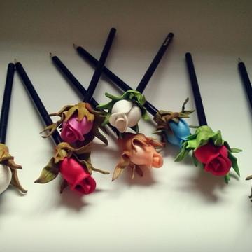 Lápis Decorados com Rosas