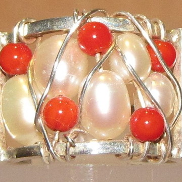 Anel de prata, pérola e coral Aro 10