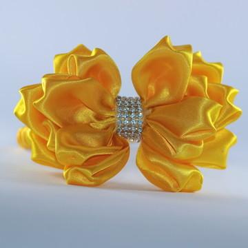 Tiara Flor com detalhe em strass