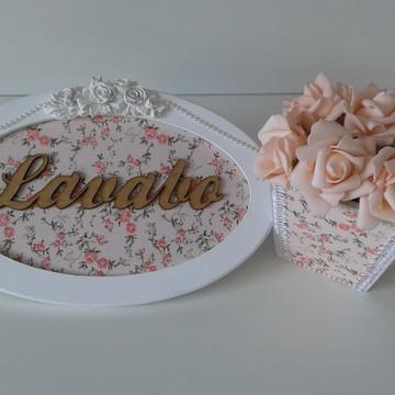 Quadro Placa Lavabo e Vasinho de Flores