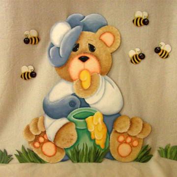 Urso com pote de mel